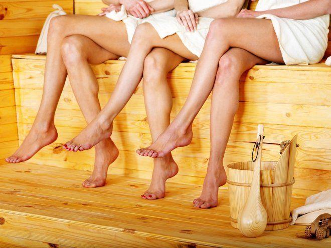 ножки девушек в бане